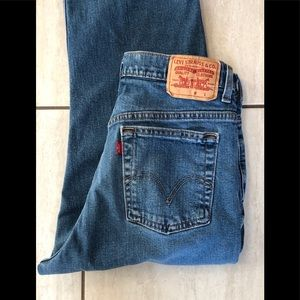 Levi's mens relaxed straight jeans.32/32. GUC